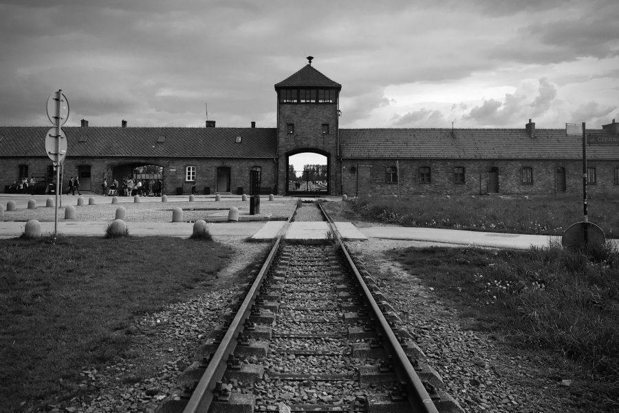 train tracks leading to the gates of Auschwitz-Birkenau