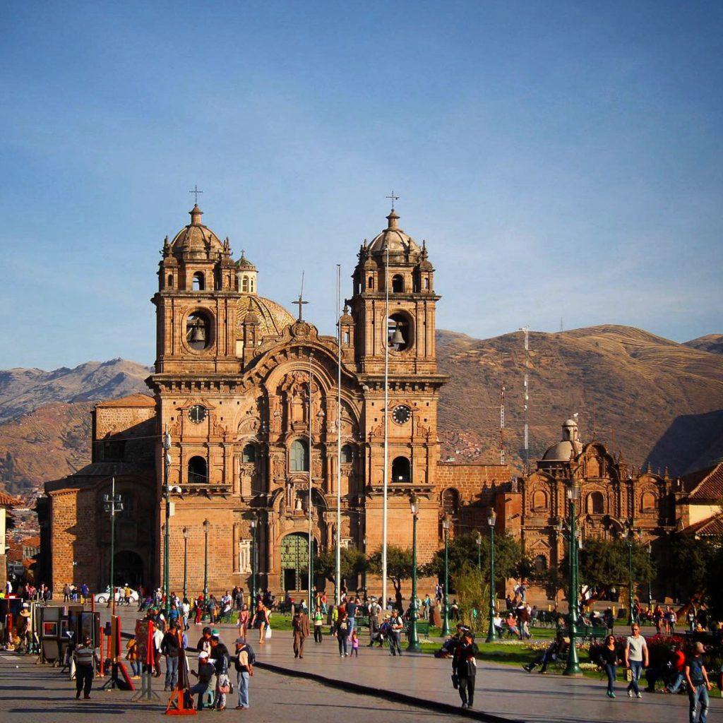 Church La Compañía de Jesús glowing in the sunset in Cusco, Peru