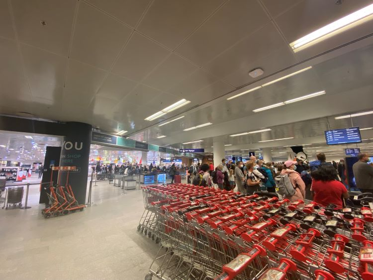 Keflavik airport's duty-free and baggage hall